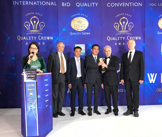 Viglacera Float Glass company is honored for quality management