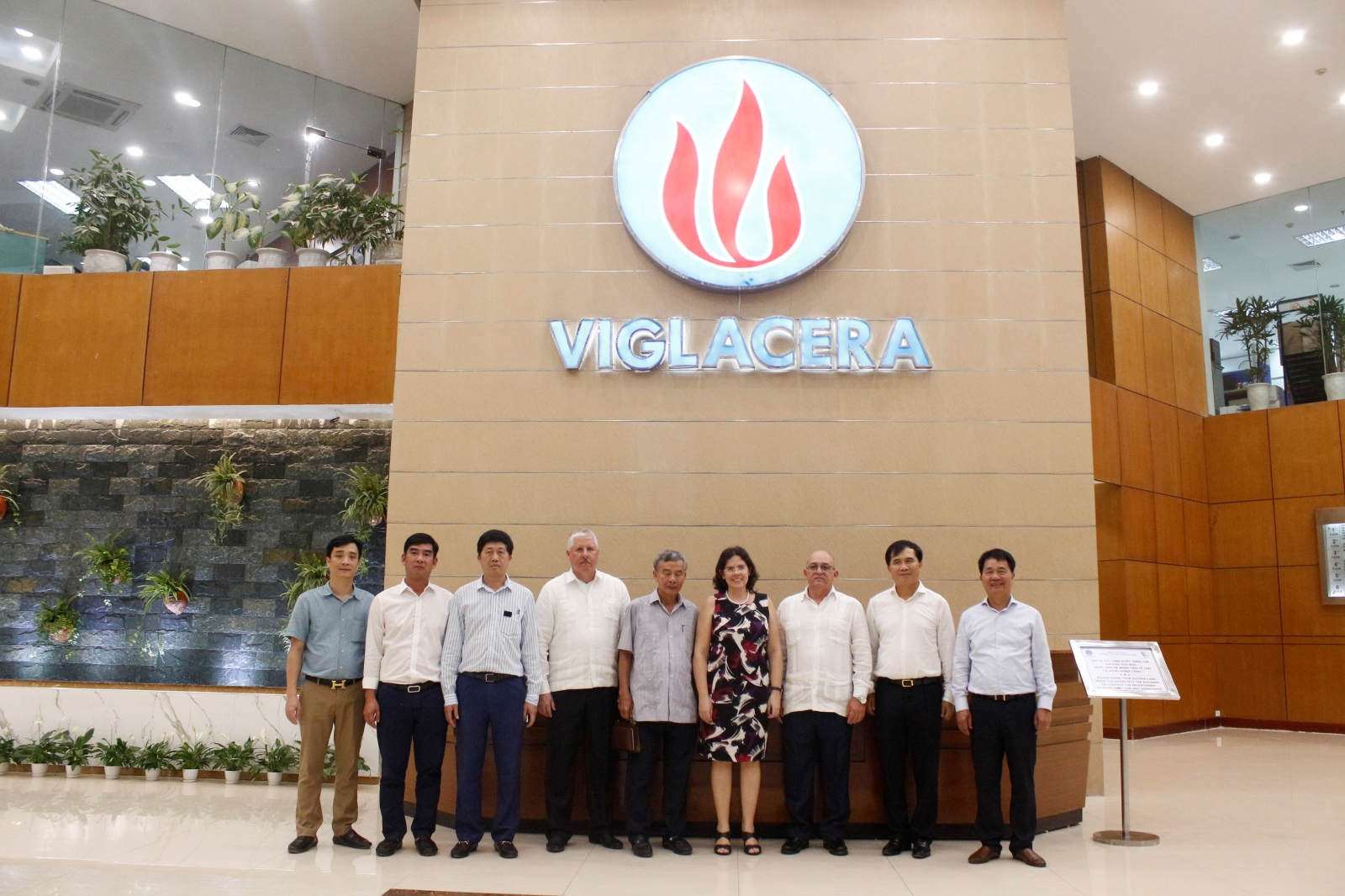 Cuba Minister of Construction visit and work with Viglacera Corporation – JSC